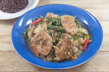 Spicy stir-fried catfish with basil : Thai style food