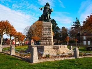 statue de vauban à saint leger vauban, bourgogne franche compté