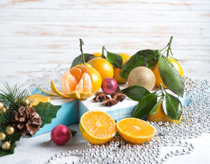 New Year's scenery, Christmas tree decorations and tangerines