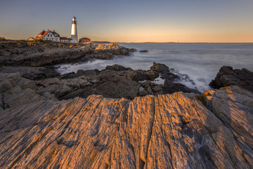 Sunset at the oldest lighthouse in Maine called '' Portland Head Lighthouse '', Portland, New England