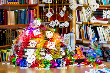 X-mas tree in library make from books