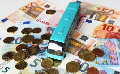 Bus, Busreise, Geld, Geldscheine, Münzgeld