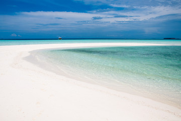 Sand bank in Maldives, luxury white sand beach