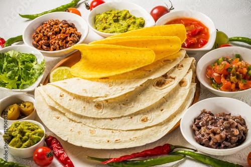 tacos set mexican food fotos de archivo e im genes libres de derechos en fotolia. Black Bedroom Furniture Sets. Home Design Ideas