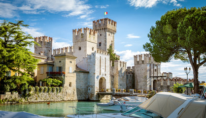 Rocca Scaligera castle in Sirmione town near Garda Lake in Italy Fototapete