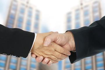 Handschlag im Business - Vertragsabschluss