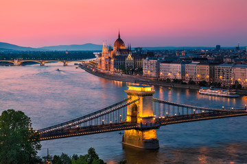 Keuken foto achterwand Boedapest Panorama of Budapest, Hungary, with the Chain Bridge and the Parliament