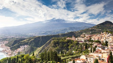 Scenic view of Etna Mount from Taormina, Sicily, Italy, Europe. Fototapete