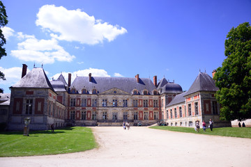 Castle of the 17th century in Courson/Chantilly domain