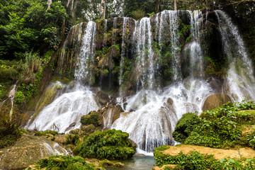 Wall Mural - Wasserfälle El Nicho bei Cienfuegos