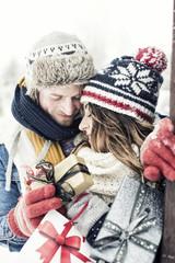 verliebtes Paar zu weihnachten