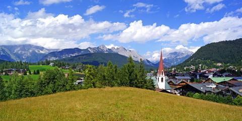 SEEFELD ( Tirol ) - Stadtpanorama