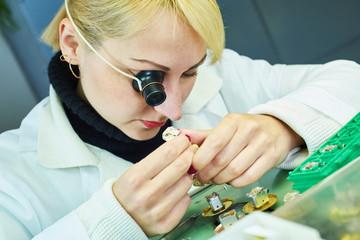 gesellschaften GmbH gmbh kaufen schweiz Uhrmacher gmbh mantel kaufen verlustvortrag firmenanteile gmbh kaufen