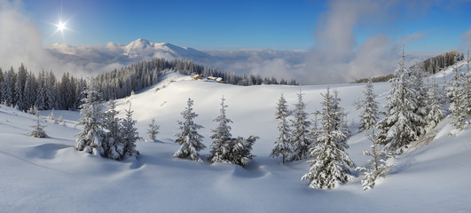 Fototapete - Panoramic view of the mountain landscape in winter