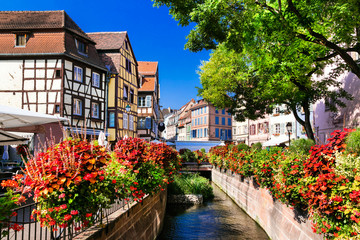 Fototapete -  beautiful places of France - colorful Colmar town in Alsace region