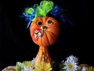 Creating Funny, Silly, Creepy and Weird Faces with Food Photography.