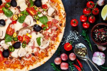 Foto auf AluDibond Lebensmittel pizza 5