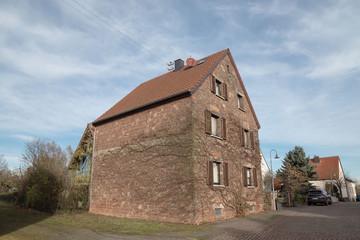 Haus-Steinhaus