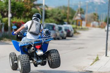 Sportliches Fahren mit einem Quad