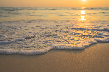 Poster Sea sunset Golden sunrise sunset over the sea ocean waves