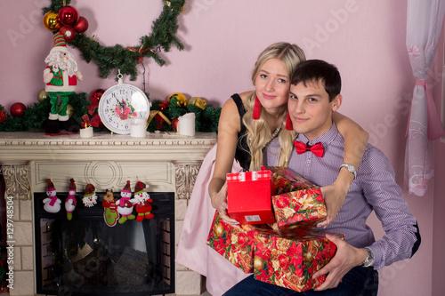 Парень девушка рождество