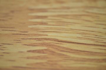 少しぼかした木製の机