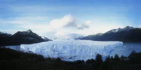 Glacier in Lake