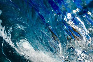 Inside the ocean closing wave barrel