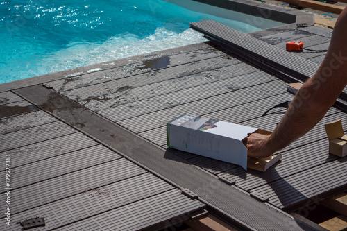 construction terrasse de piscine imagens e fotos de. Black Bedroom Furniture Sets. Home Design Ideas
