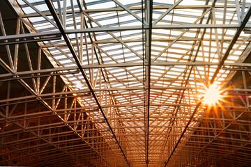 Decke Deckenkonstruktion mit Abendsonne