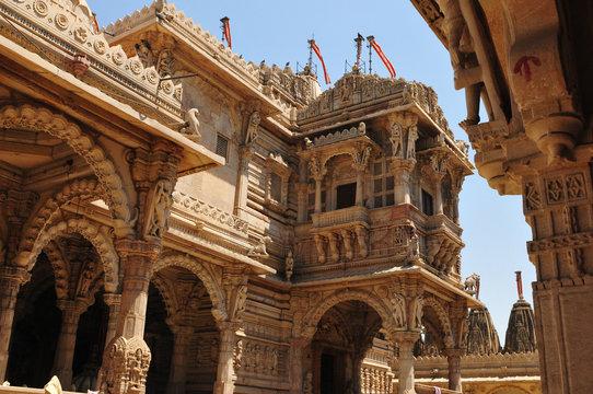 Gujarat: Der Jain Hindu-Temple in Ahmedabad