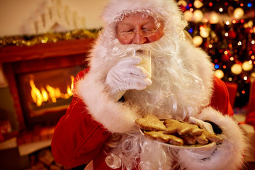 Real Santa Claus Christmas traditional served food