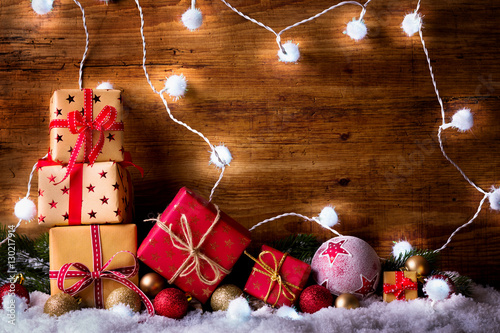 weihnachten hintergrund mit geschenken dekoration und. Black Bedroom Furniture Sets. Home Design Ideas