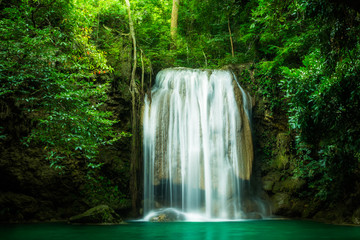 Foto op Aluminium Watervallen Erawan waterfall, the beautiful waterfall in forest at Erawan National Park - A beautiful waterfall on the River Kwai. Kanchanaburi, Thailand