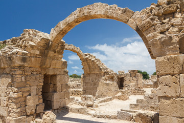 Poster de jardin Ruine Ruins of the old castle built on top of the ancient Pafos city,