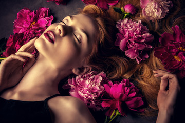 sensual young woman Fototapete