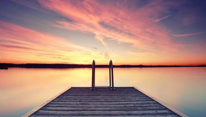 völlige Ruhe und Stille am See
