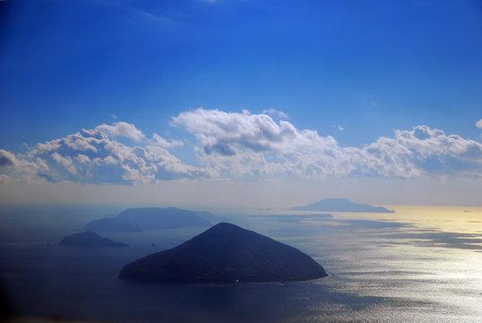 伊豆七島、利島、新島、構図島遠望