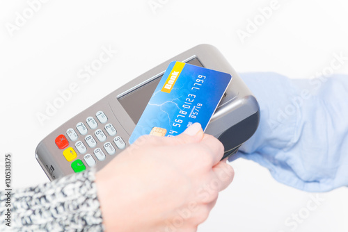 how to use contactless debit card