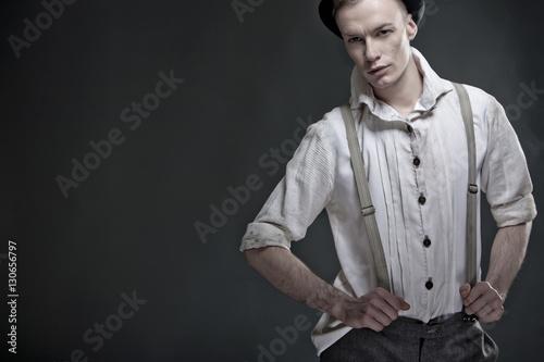 junger blonder mann in 20er jahre kleidung stock photo. Black Bedroom Furniture Sets. Home Design Ideas