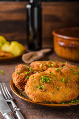Wiener schnitzel with potatoes