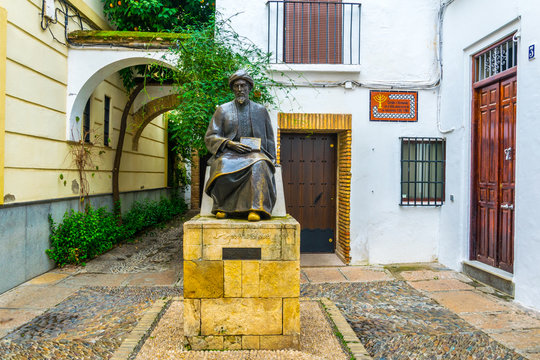 Statue of Ben Maimonides in the Jewish Quarter of cordoba