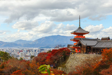 Papiers peints Kyoto Landscape and cityscape of famous temple in Autumn season, a major tourist attraction in Kansai region, Kiyomizu-dera Temple in Kyoto, Japan. Popular people and photographer.