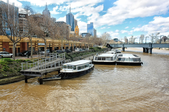 View on a Yarra river and city skyscrapers in Melbourne, Austral