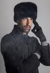 Hombre de ojos azules ruso