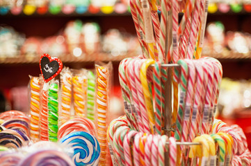 Autocollant pour porte Confiserie Sales of traditional Christmas sweets on the Christmas fair