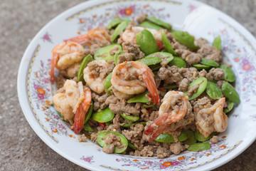 Stir-fried stink bean with shrimp and minced pork