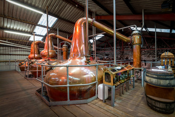whiskey distillery brewery alcohol making gin beer copper cask still pot
