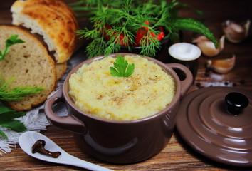 крем суп грибной со специями и петрушкой