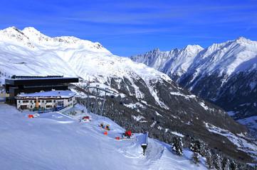 Tirol: Wintersportort Sölden  im Tirol